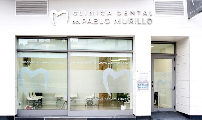 fachada clinica dental en zaragoza